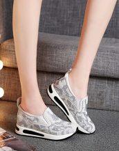 beyaz taş ve incili gizli topuk ayakkabı sk24654