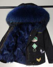 siyah koyu mavi kürk kapüşonlu armalı parka sk26335