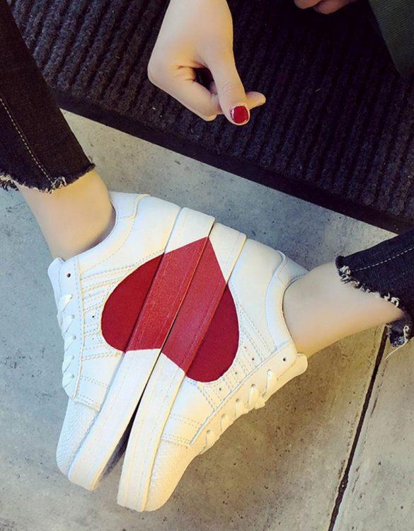 beyaz kalp detaylı spor ayakkabı sk31132