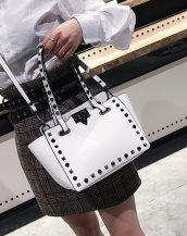 beyaz zımbalı ufak tote çanta sk32087
