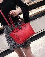 kırmızı zımbalı ufak tote çanta sk32087